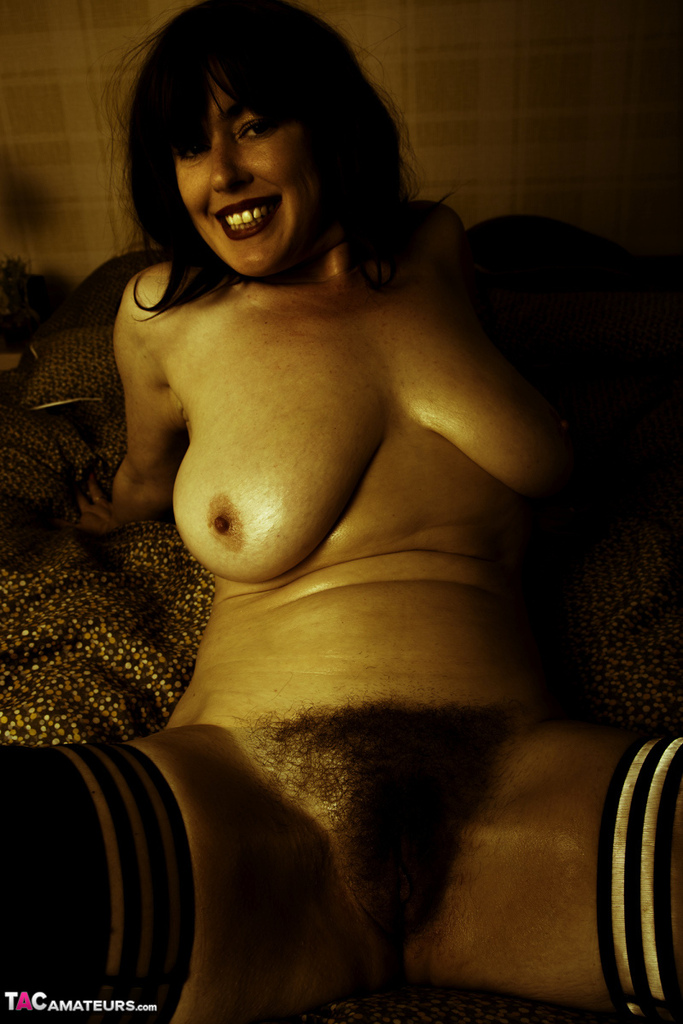 Amateur model Juiceyjaney shows off big natural tits indoors and outside too