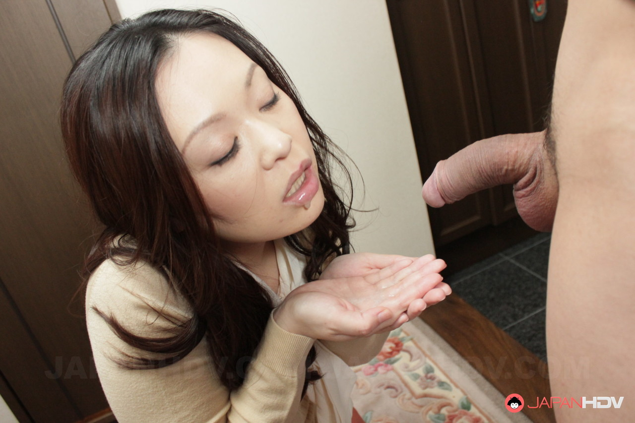 Brunette Japanese wife An Kanoh gives a lovely BJ and tastes cum