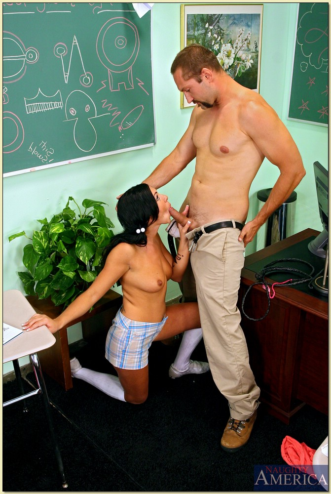 Sweet Brazilian with natural boobies Camryn Kiss fucks a guy in classroom