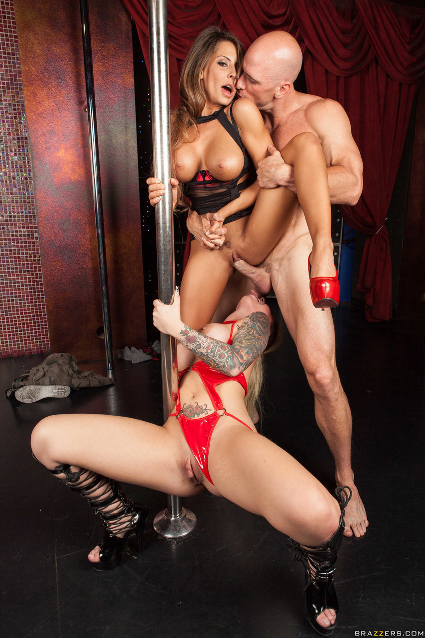 Busty strippers Madison Ivy & Christy Mack sharing huge dick on the stage