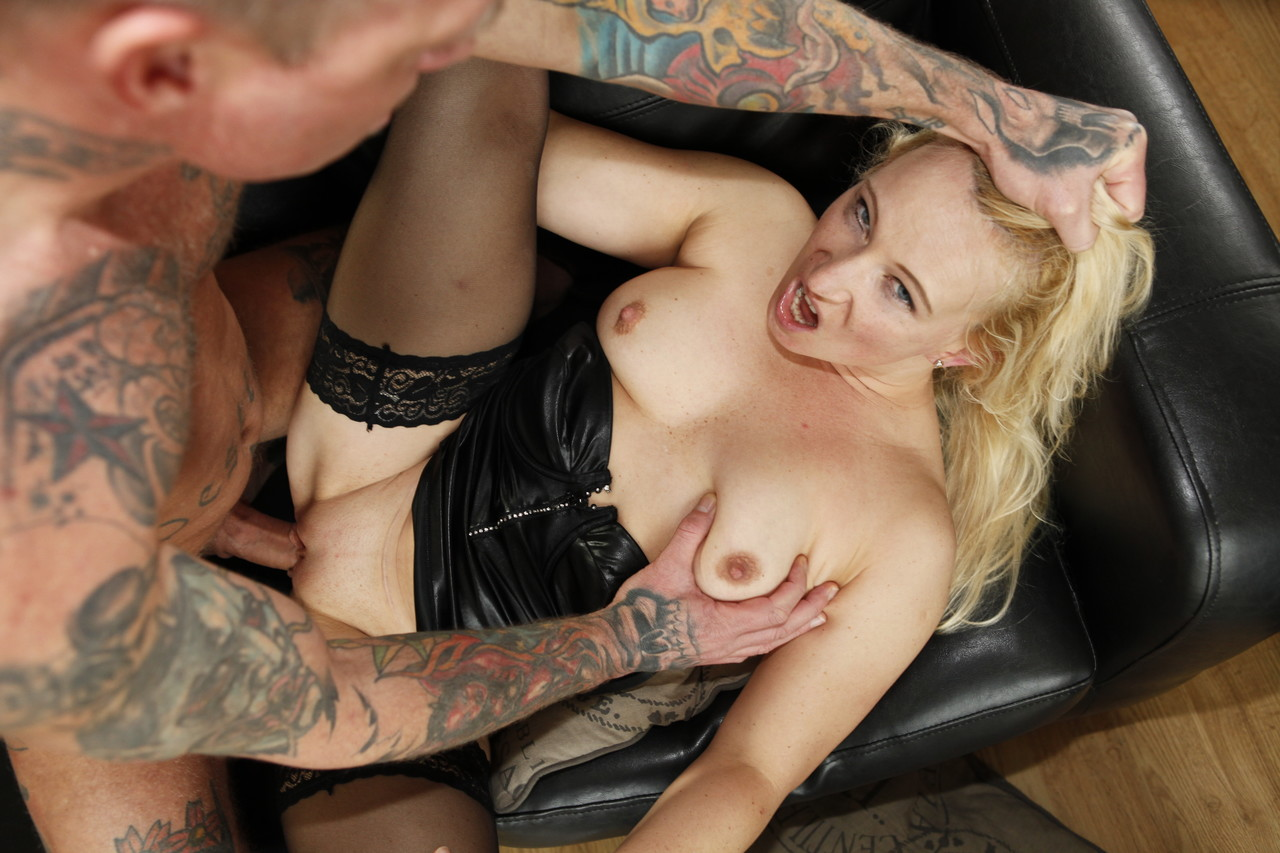 German pornstar Gina Blonde gets her ass grabbed and her twat fucked good