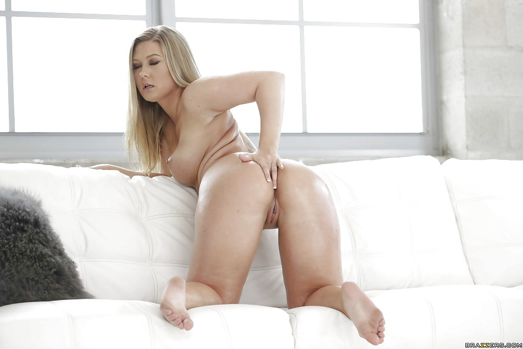 Hot babe Addison Lee oils her perfect ass for anal masturbation