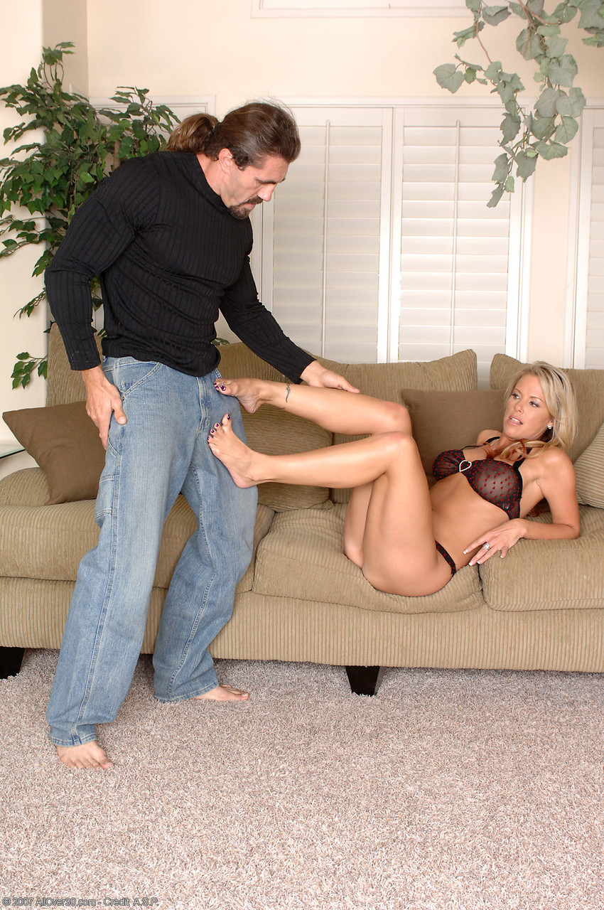 Blonde MILF Kayla getting her delicious feet worshiped and fucked