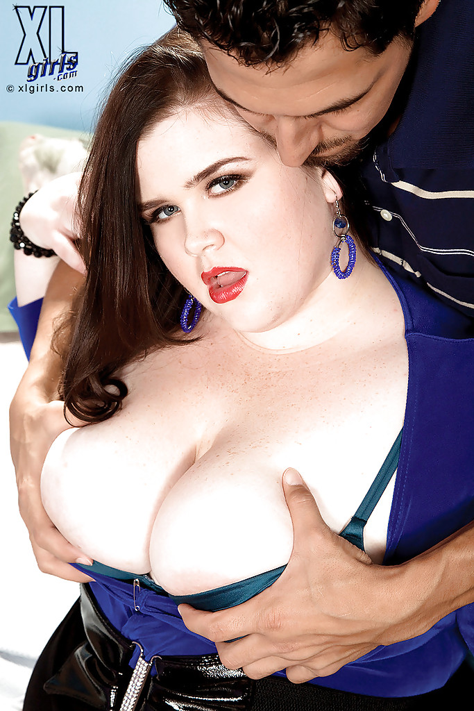 Extra large Holly Jayde upskirts & pulls out her huge tits for sucking