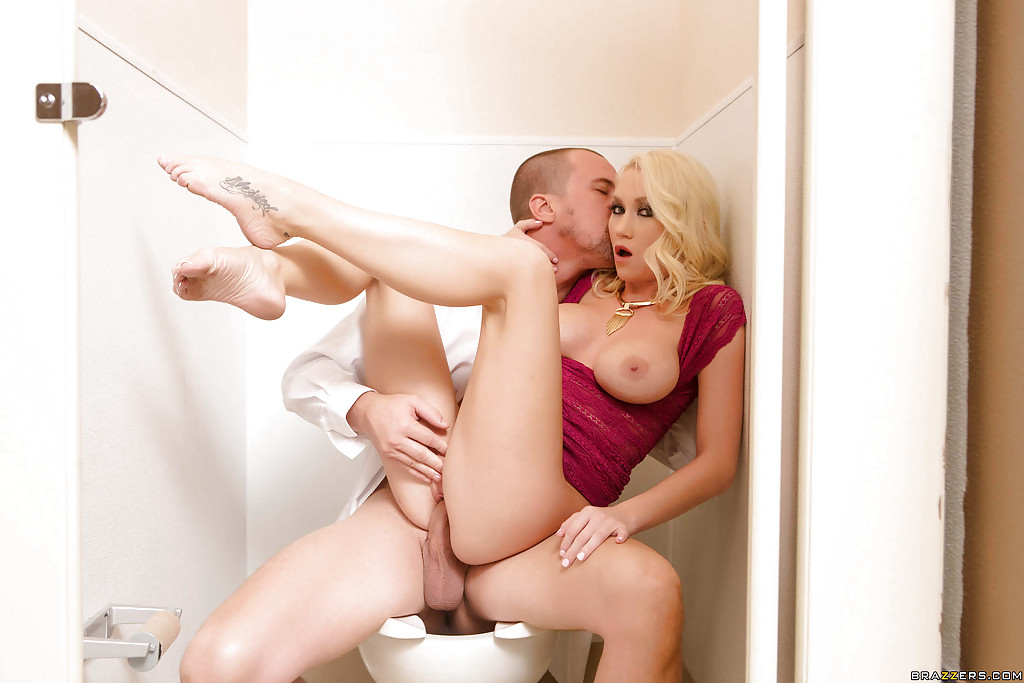 Curly blonde Madison Scott gets fucked and creampied in bathroom