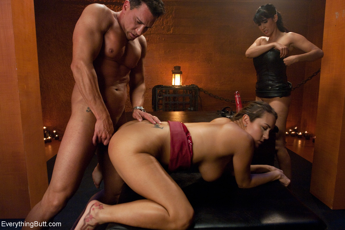 Anal bitch Trina Michaels fucked by Marco Banderas with Isis Love's support